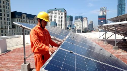 EVN Hà Nội triển khai mua điện mặt trời áp mái