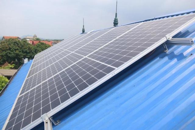 EVNNPC tạo điều kiện tối đa cho khách hàng đầu tư điện mặt trời mái nhà