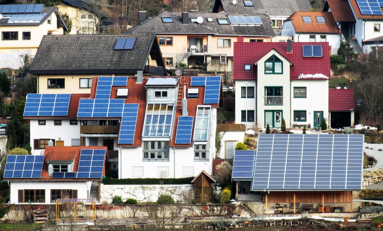 Quyết định của Thủ tướng Chính phủ về việc khuyến khích mua điện mặt trời lắp trên mái nhà